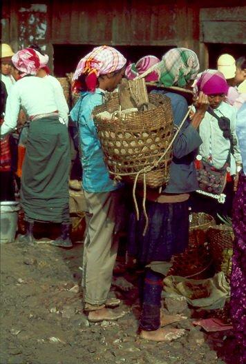 Menghun Markt Frauen