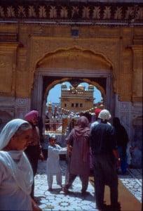 Amritsar Eingang zum Goldenen Tempel
