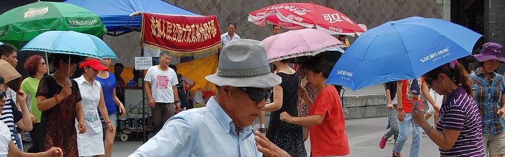 Sommerhitze in China: Gut gerüstet mit dem Sonnenschirm