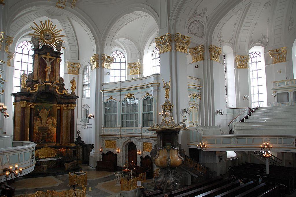 Der barocke Innenraum von St. Michaelis
