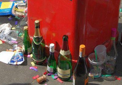 Dekadent: Müll auf dem CSD in Hamburg