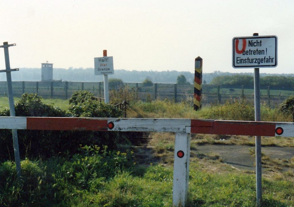 Grenze zur DDR 1986 - Grenzen sind keine Lösung!